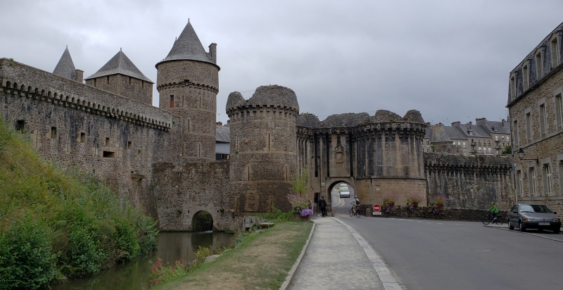 Entrada do Château de Fougères