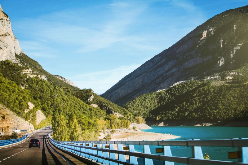 Dirigir em viagens tem vantagens e desvantagens